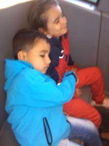 Pana la aeroport, un pui de somn in autobuz