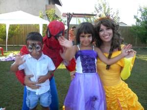 Ilinca si Andi cu Bella si Spiderman